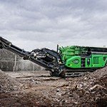 tracked rock crusher